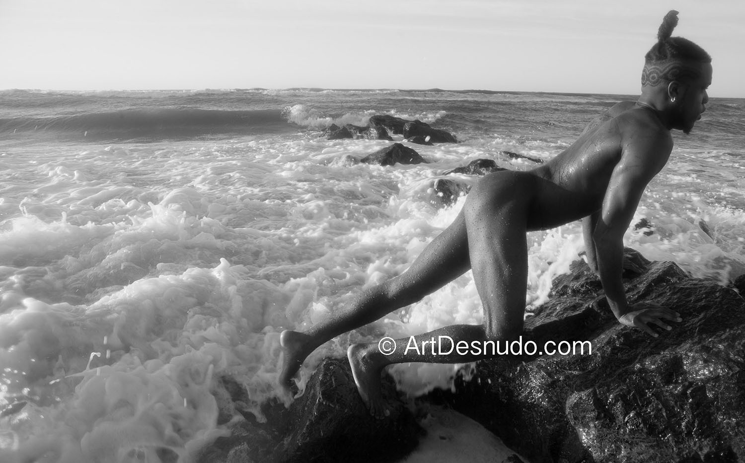 """It was a great day to create art in """"The City that Never Sleeps (New York City)."""" This model got naked for art and got free photographs. You can do it, too! Photo by ArtDesnudo.com"""